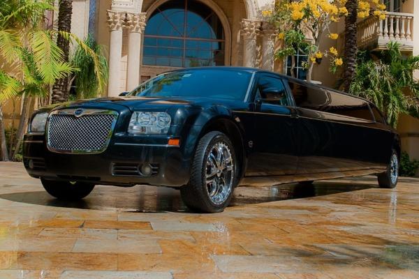 Chrysler 300 limo service Austin